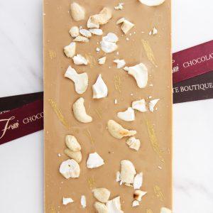 Шоколадная плитка GOLD с кешью